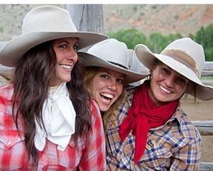 Gary-Kunis,-3-cowgirls