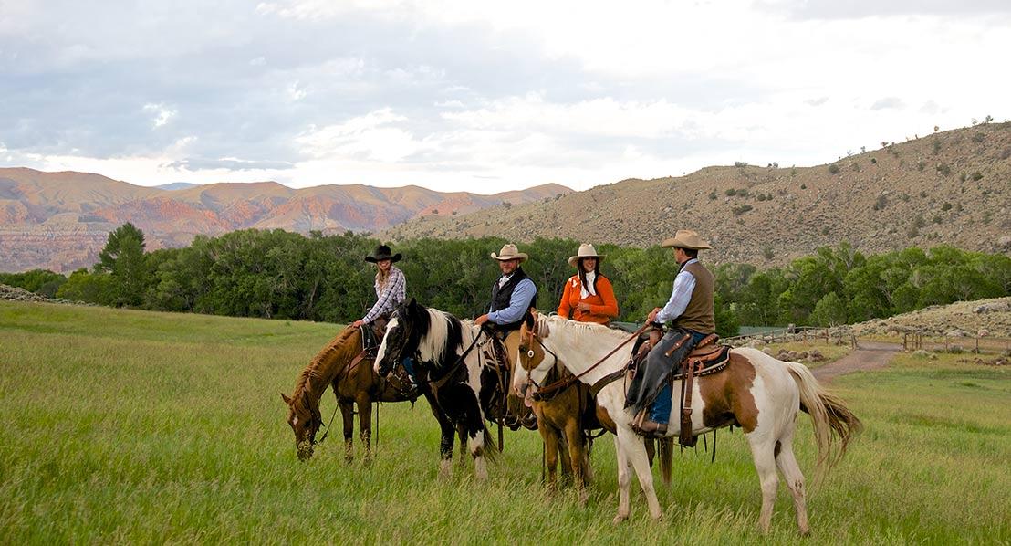Gary-Kunis,-riding-horses_web