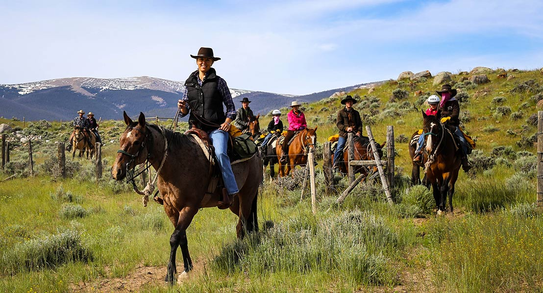 Kristin-Foster,-trail-ride,-dude-ranch_web