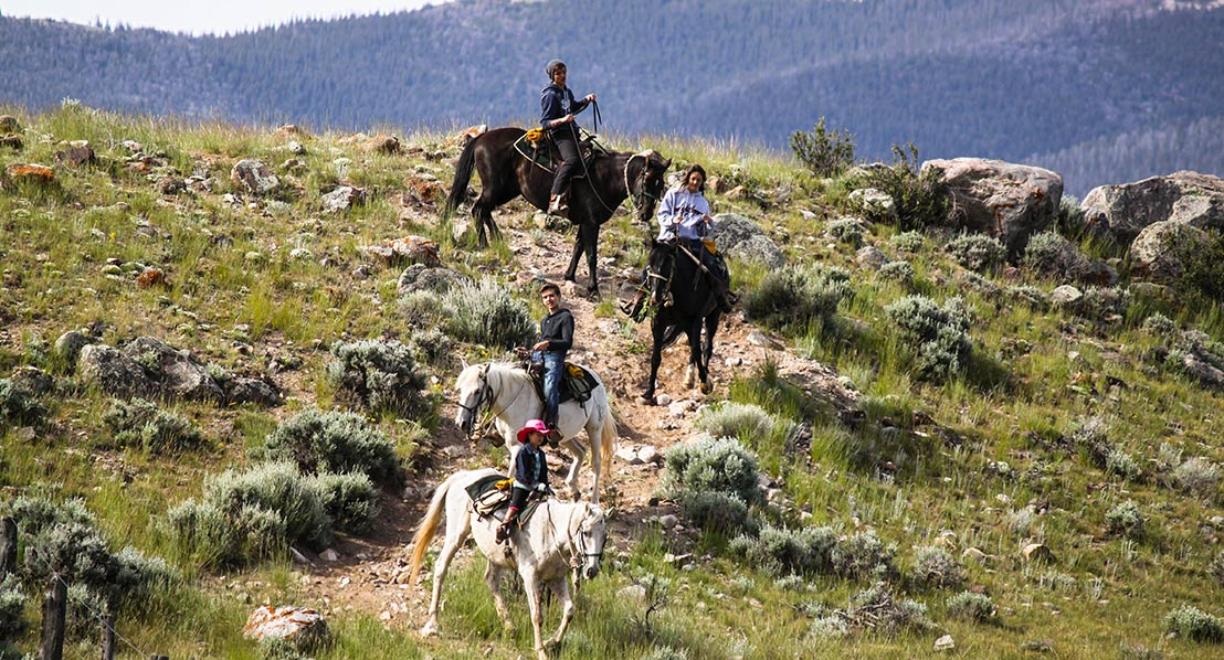 Kristin-Foster,-trail-ride_2,-dude-ranch_web